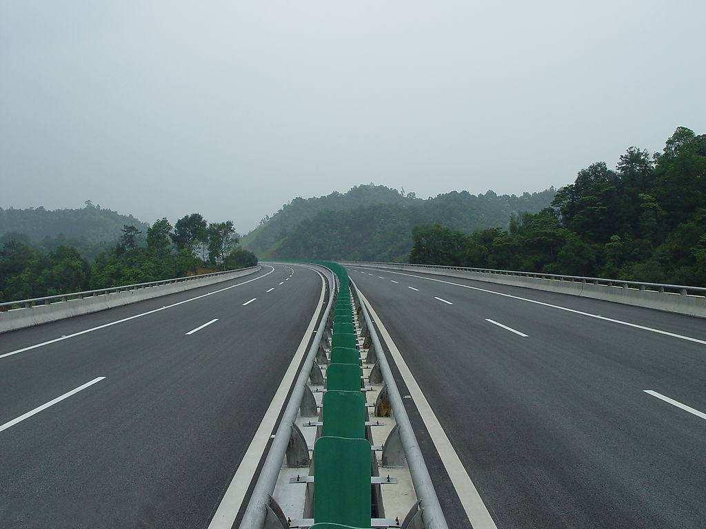 贵阳市乌当(羊昌)至长顺高速公路PPP项目,总投资218亿元,计划于2019年开工
