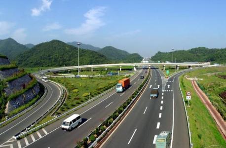刘明登督导了福山绿色产业带建设和通迈公路沿线综合整治