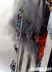 孟加拉国建筑失火致死70人