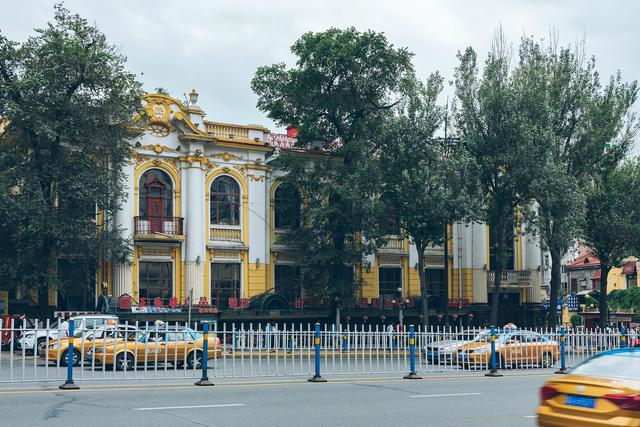 来哈尔滨只知道中央大街?这条街上的老建筑同样不会让你失望