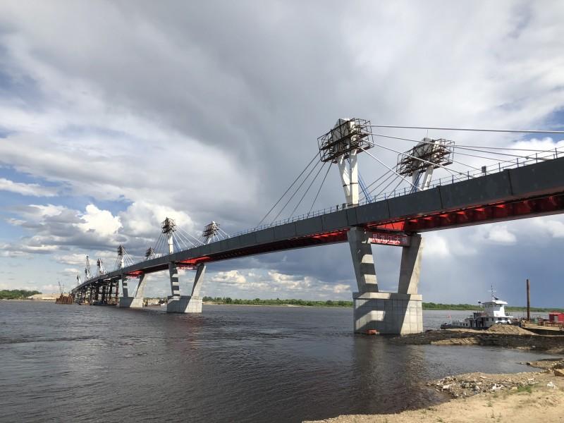 中俄黑龙江大桥合龙