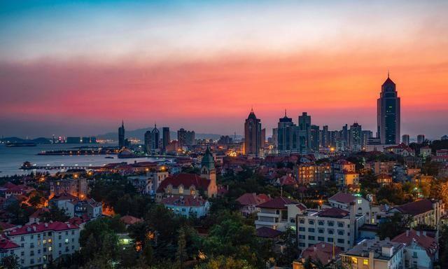 """游客眼中的最美海滨城市,为何被本地人称为""""金边抹布"""""""