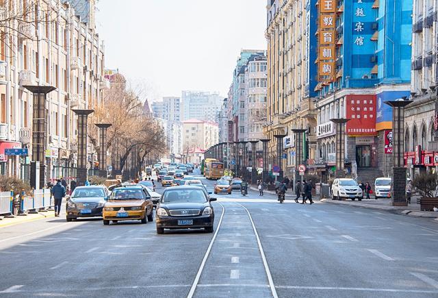 哈尔滨有条大街数次更名最终又恢复原名,老建筑才是这的最大看点