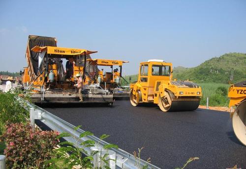 公路工程温拌沥青混凝土路面施工技术应用研究