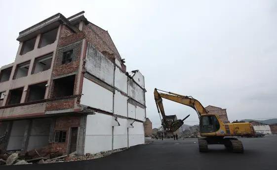 """房屋拆迁了就变""""违建""""?认定违法建筑可没那么简单"""