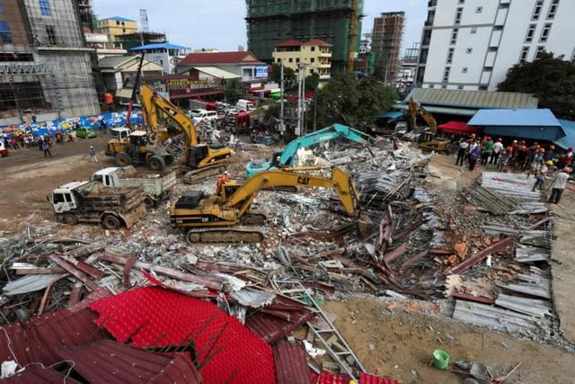柬埔寨中资在建建筑瞬间坍塌夷为平地造成伤亡