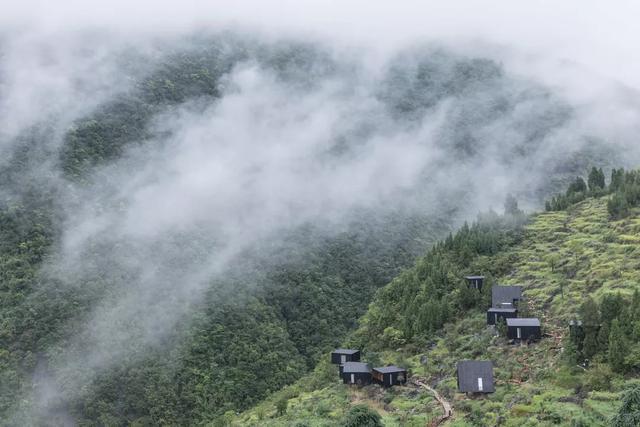 独揽山景的私密 - 木屋酒店,贵州 / 休耕建筑
